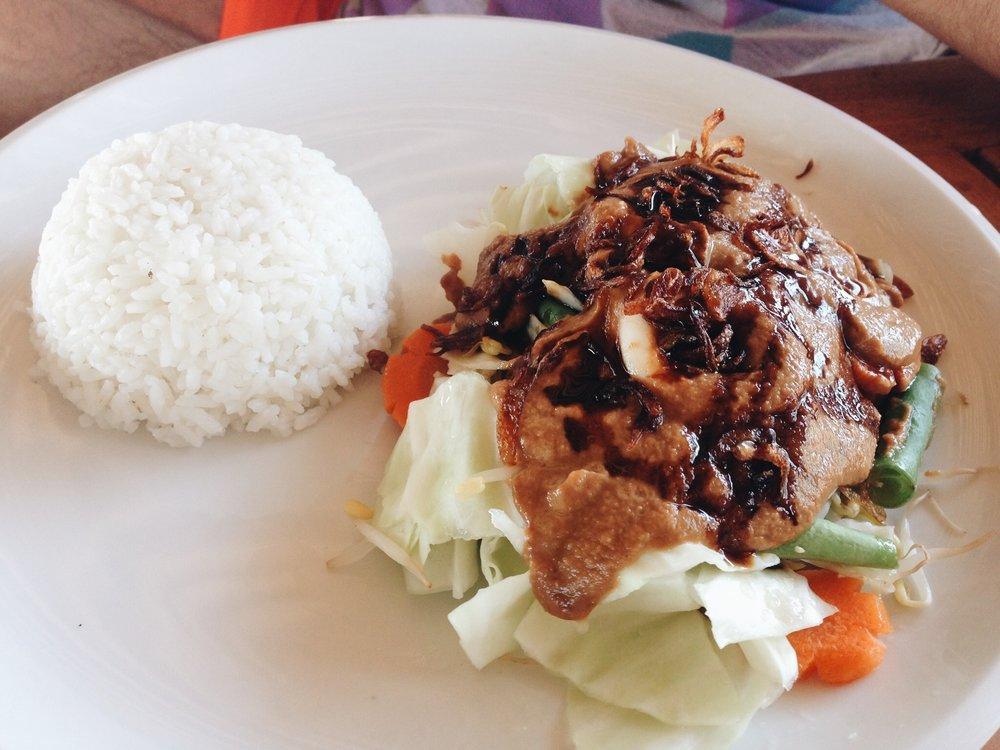 Gili-Satay-sauce-warung-sasak.JPG