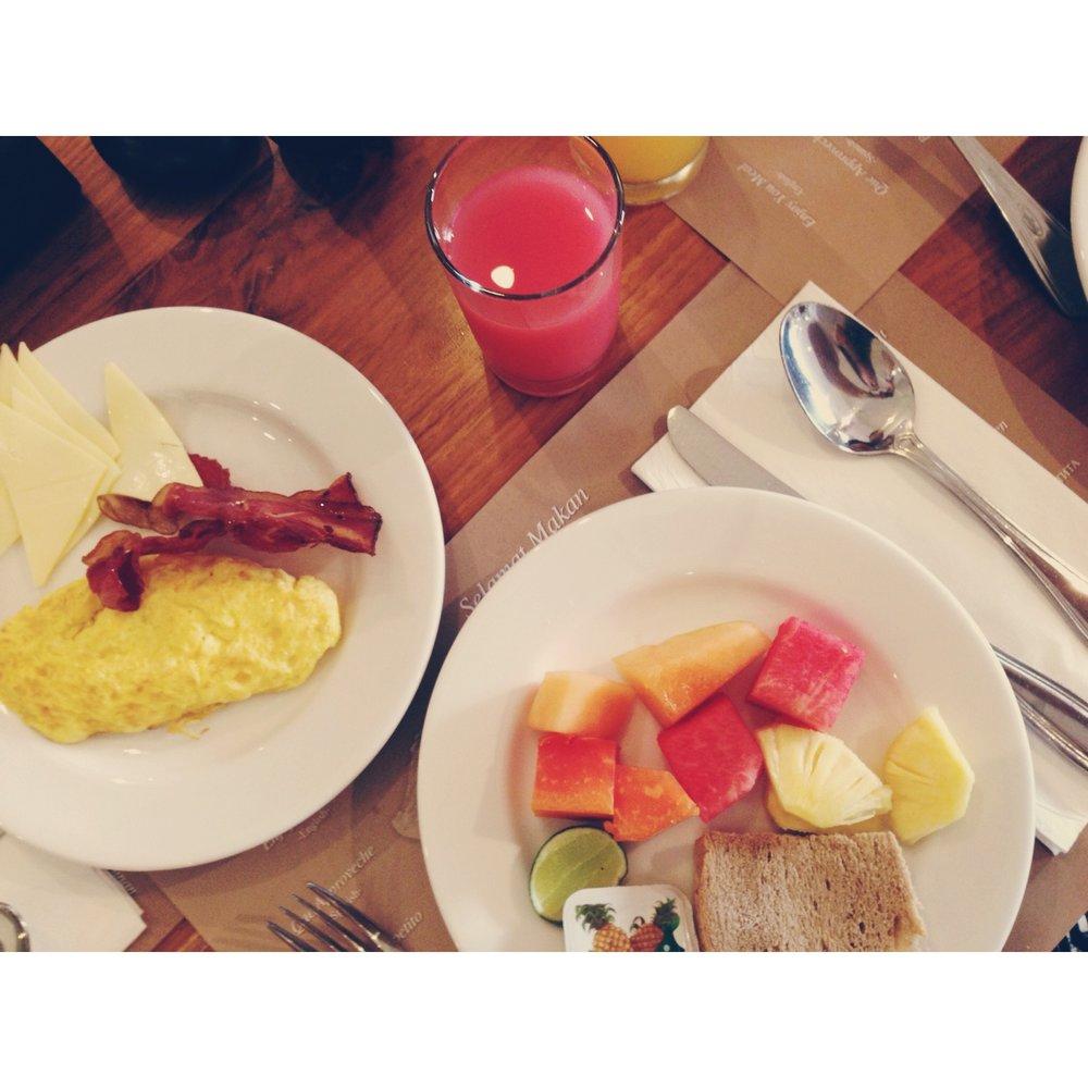 ananta-legian-breakfast.JPG