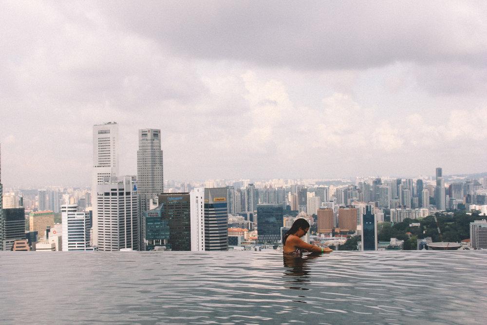 marina-bay-sands-alex-piscine-rooftop.jpg