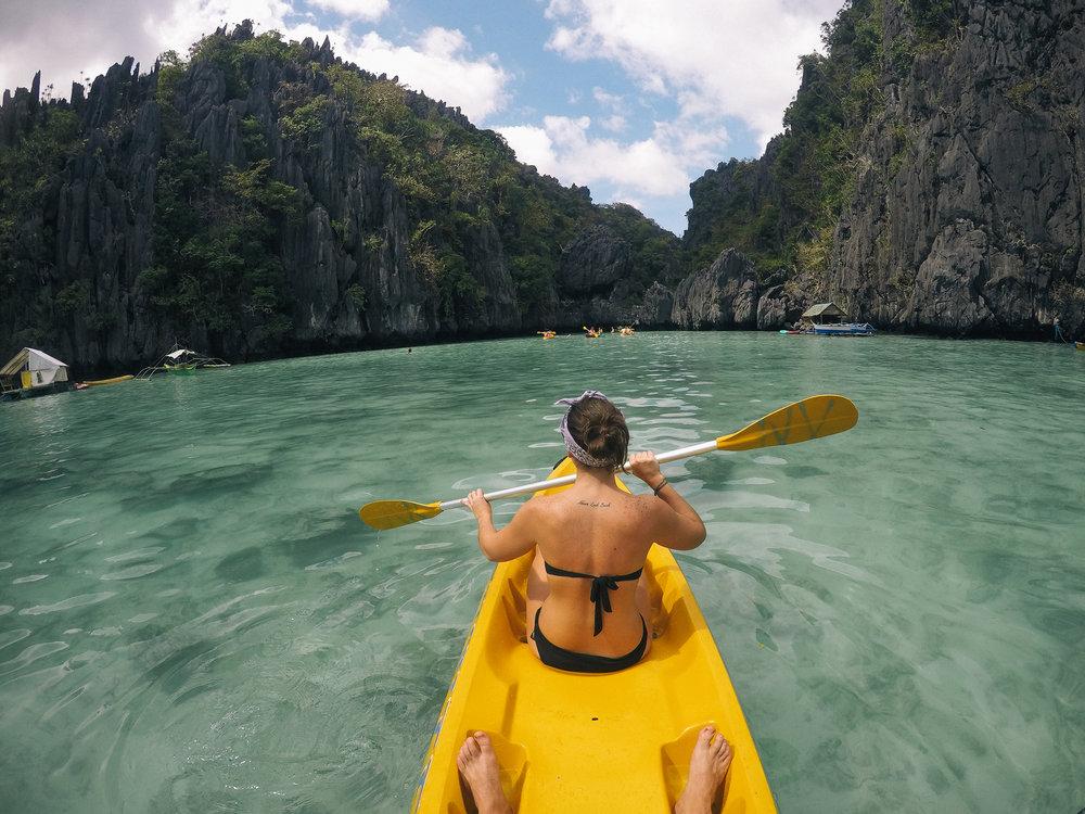 kayak-small-lagoon-philippines-palawan-onmywayFR.jpg