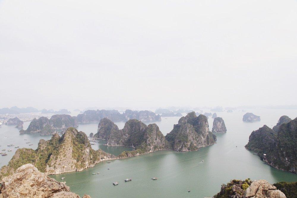 baie-halong-vue-nui-bai-tho-onmyway-voyage.JPG