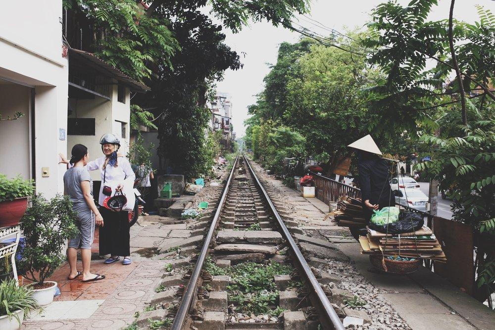 hanoi-train-rue-vietnam-voyage.JPG