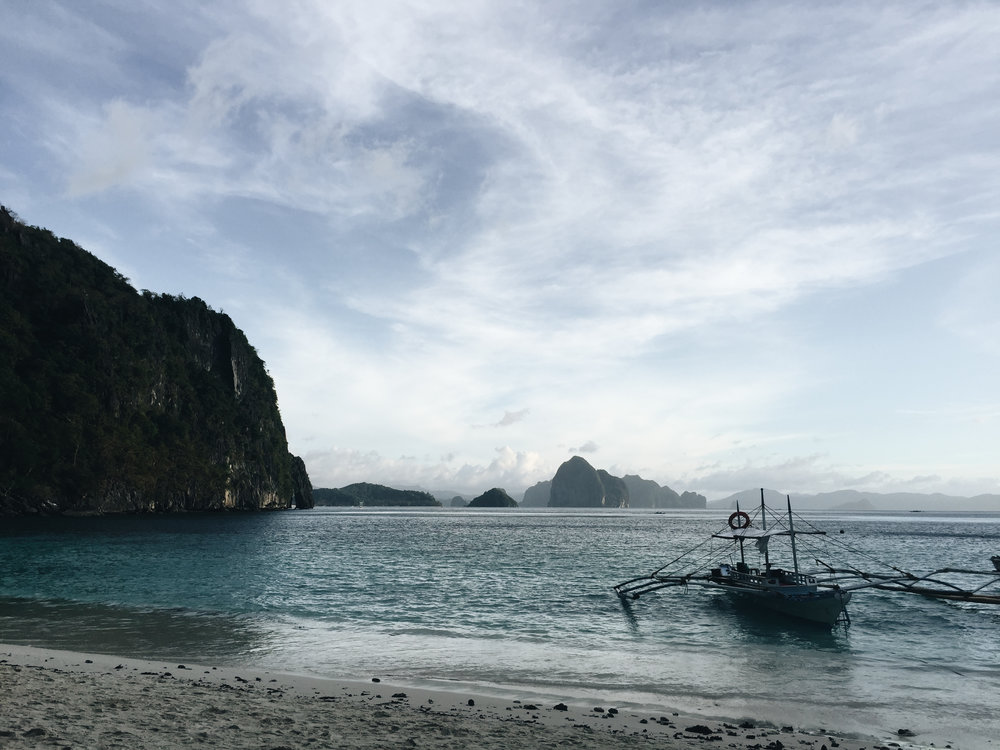 seven-commando-beach-palawan-el-nido-bacuit.jpg