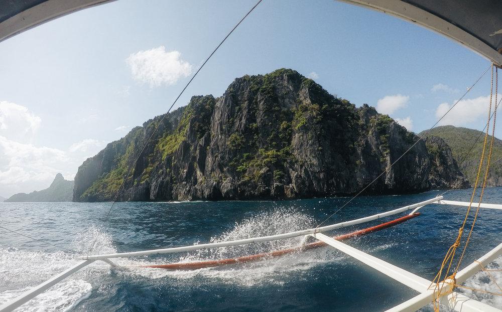 island-hopping-philippines-bangka-el-nido-bacuit-palawan.jpg