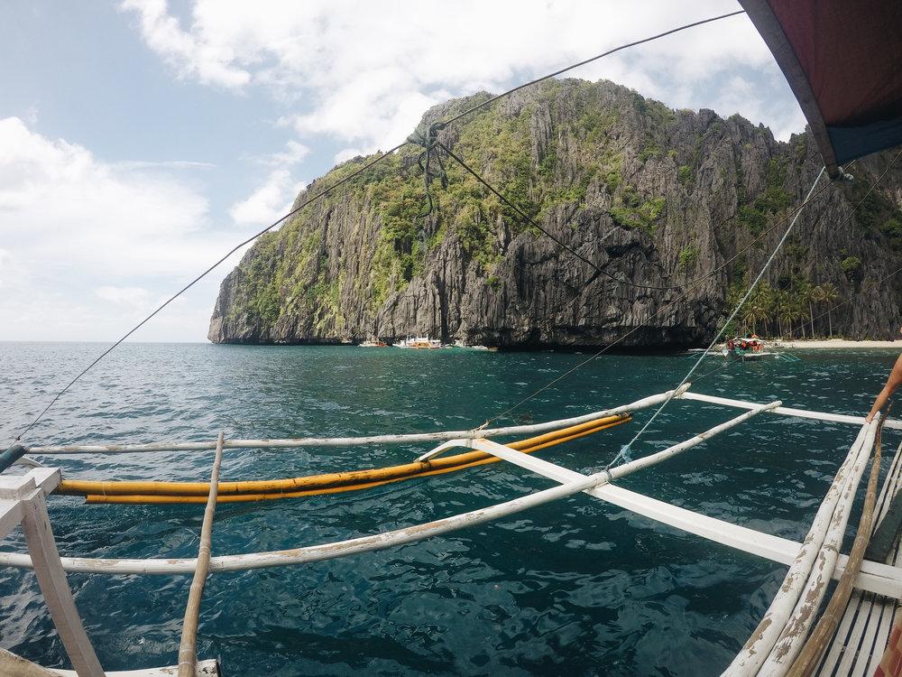 En bangka, direction Miniloc Island