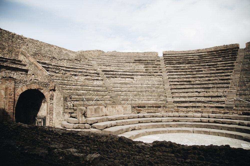 ODEON-petit-theatre-pompei-visiter-site-archeologique.jpg