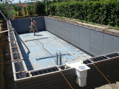 swimming pool 1 - 3.jpg
