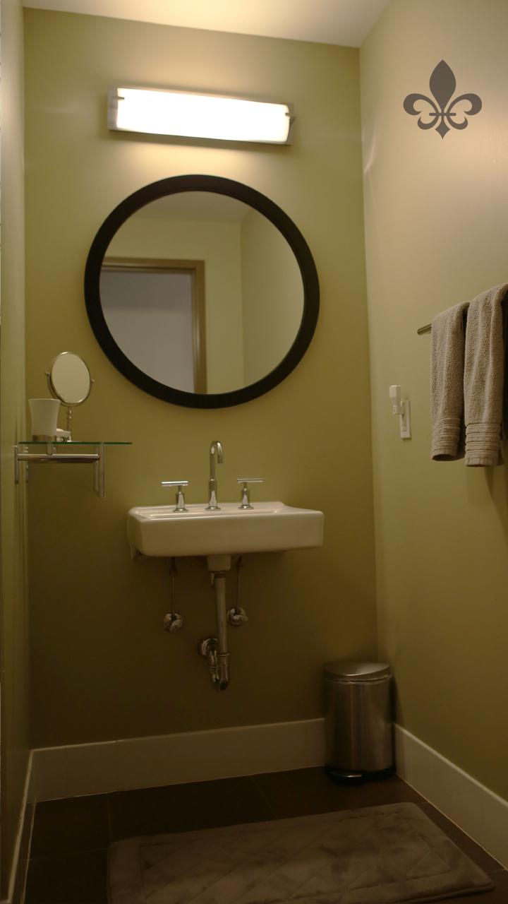 2ndbathroom.jpg