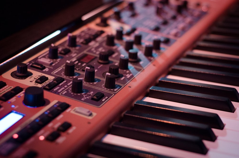 Alex_Shore_Electronic_Musician_2