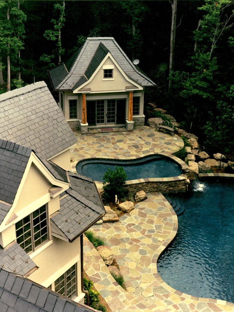 Custom Pool & Deck