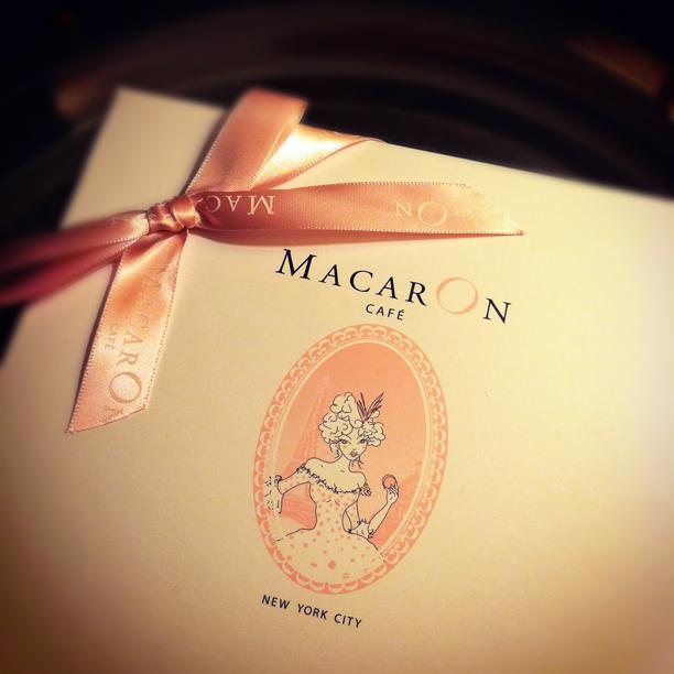 macaron cafe box