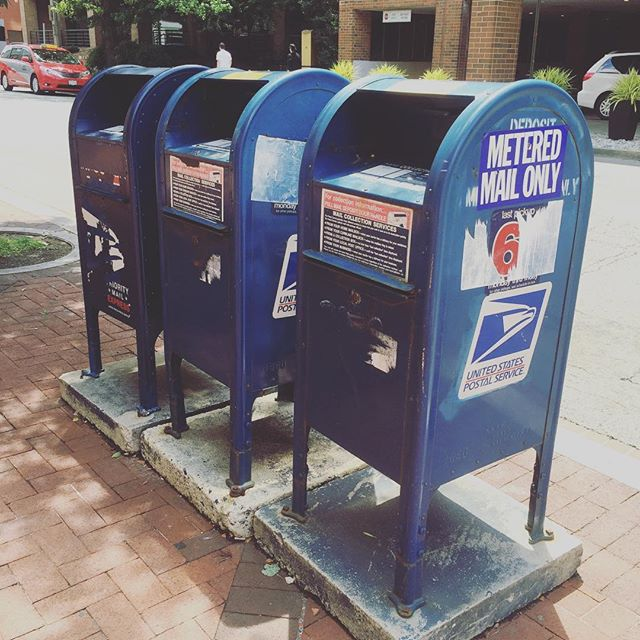 Three for one! on 22nd & N NW ⭐️⭐️⭐️#mailboxreview