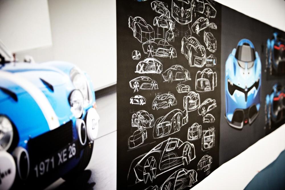0__2012-Renault-Alpine-A110-4__1280_853.jpg