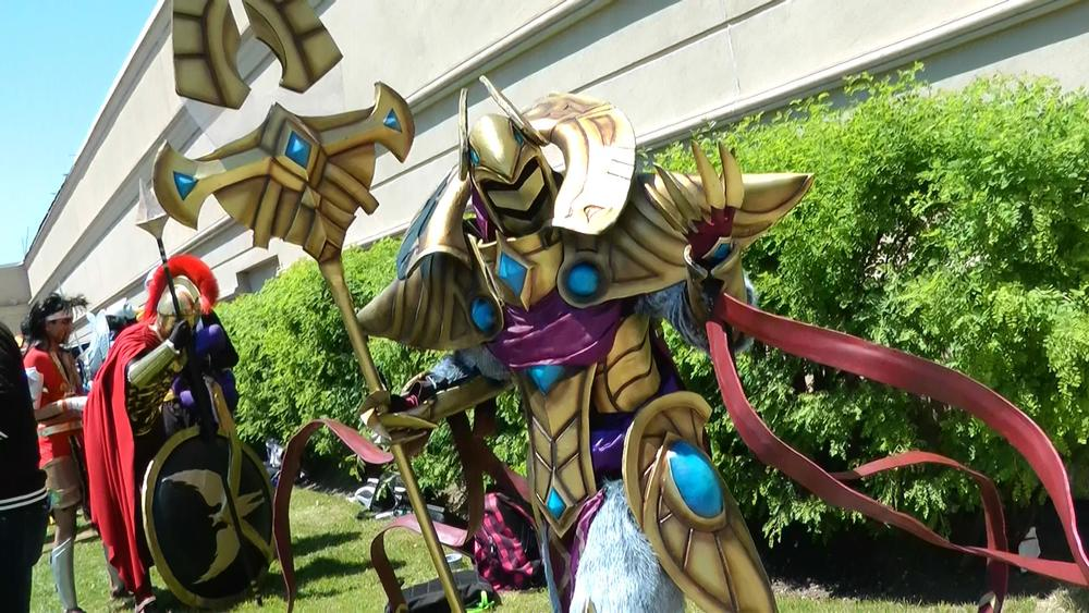 Azir from League of Legends blew us away! He didn't want to talk about how much his cosplay cost to build but it looks worth it.