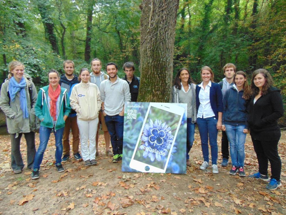 Les élèves de BTS GPN avec leur professeur Elodie Blanchard et la naturaliste d'ecobalade Sabine Meneut