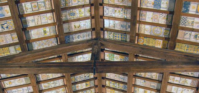Maiolica ceiling in San Donato Church, Castelli - image by Patafisik