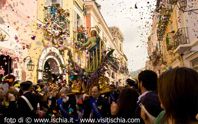 Easter celebrations during the Angel Run, Ischia Island