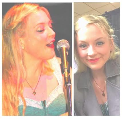She rocked the little fortune cookie necklace while performing! <3