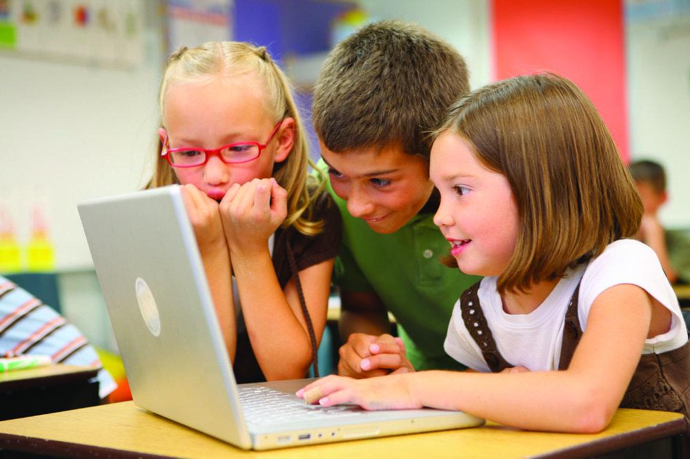 Children_at_school_(8720604364).jpg