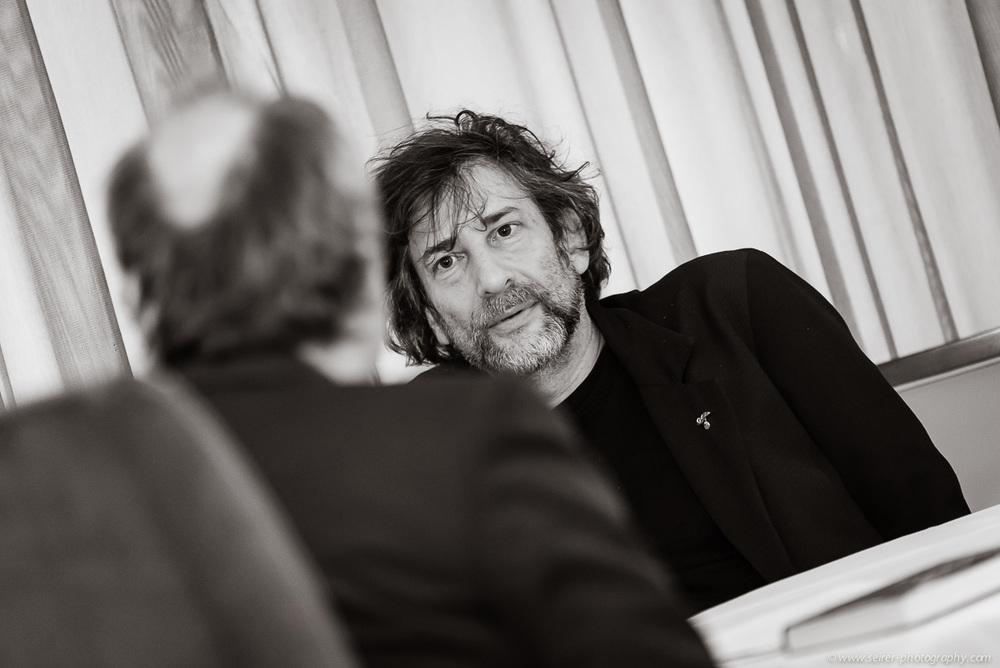v.l.n.r.: Dr. Bernhard Praschl (Kurier),Neil Gaiman