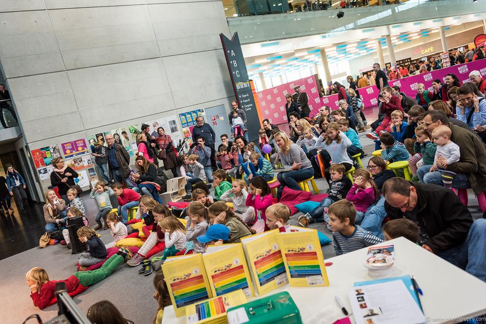 Viele Kinder besuchten die Lesungen mit Rolf Rüdiger