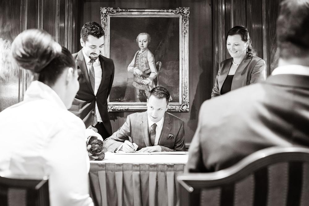 Trauzeugen unterschreiben