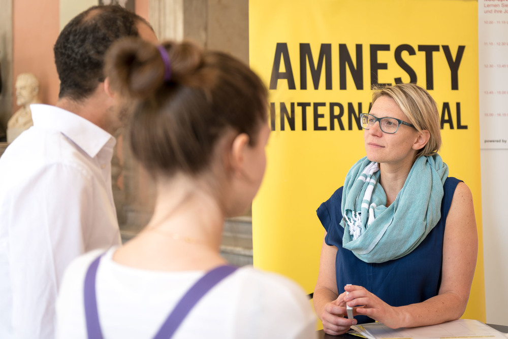 Amnesty International war auch am Stand von NGOjobs.at und beriet Interessenten