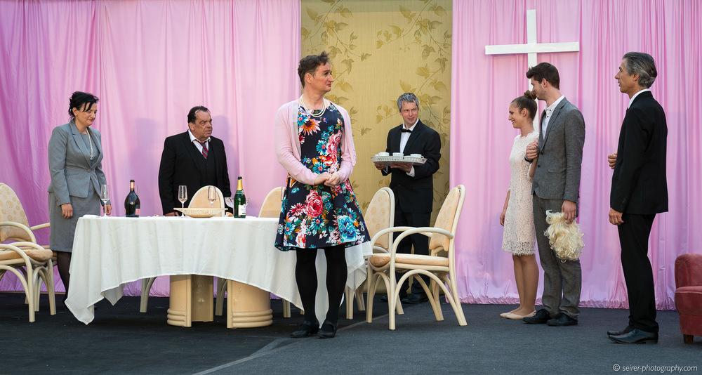 gespielt von Hannes Bickel, Joseph Prammer, Klaus Schaurhofer, Natalie Heilinger, Alois Frank und Theresa Prammer