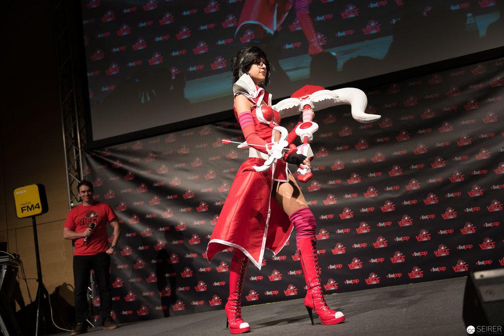 Heartseeker Wayne from League of Legends/ Needlework Cosplay: Lucia Saphira