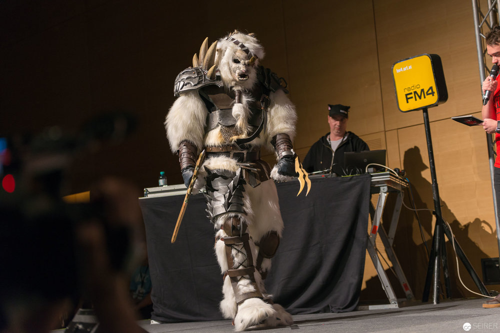 Rengar from League of Legends / Larger Than Life Cosplay: Monsoon Cosplay