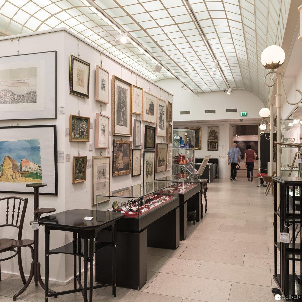 Objekte zur Versteigerung zur Ansicht im Dorotheum