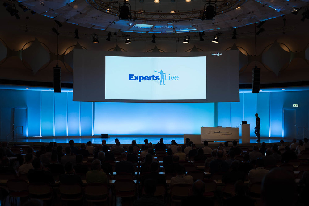 20170823-084625_experts_live_day1_75343.jpg