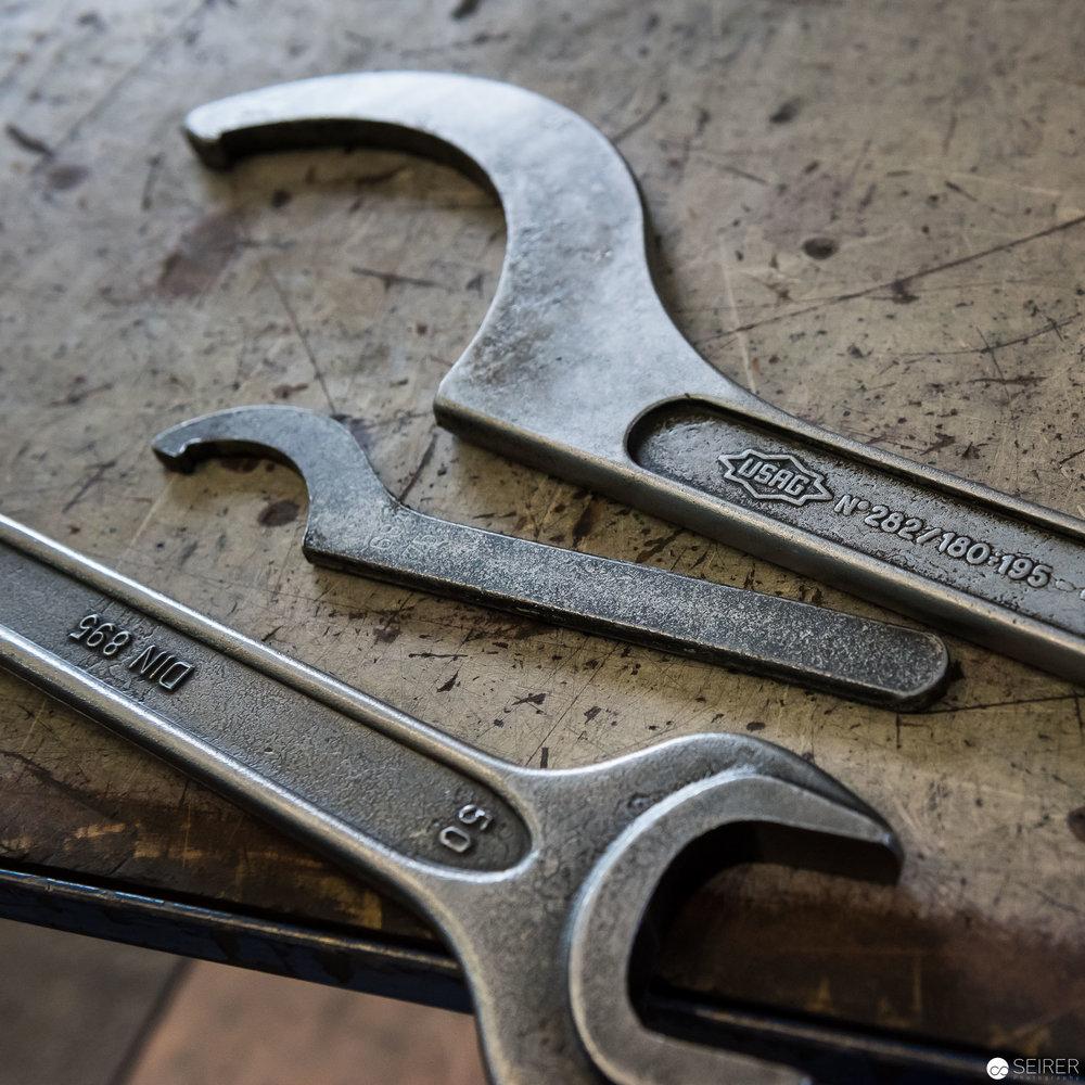 Werkzeuge in den Produktionshallen von RIESS Emaille