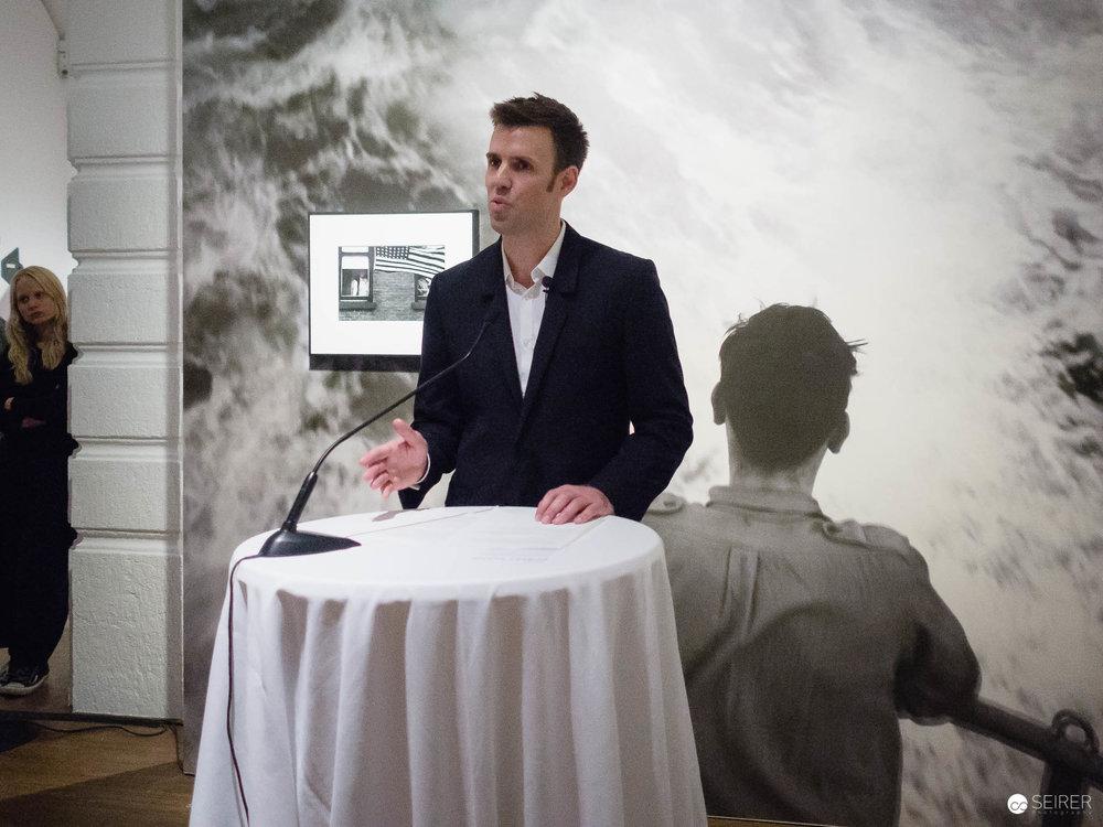"""Walter Moser, Kurator der Ausstellung """"The Americans"""" in der Alberten"""
