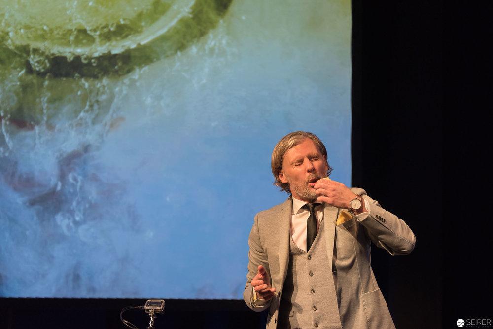 Science Busters - Warum landen Asteroiden immer in Kratern - Stadtsaal Wien