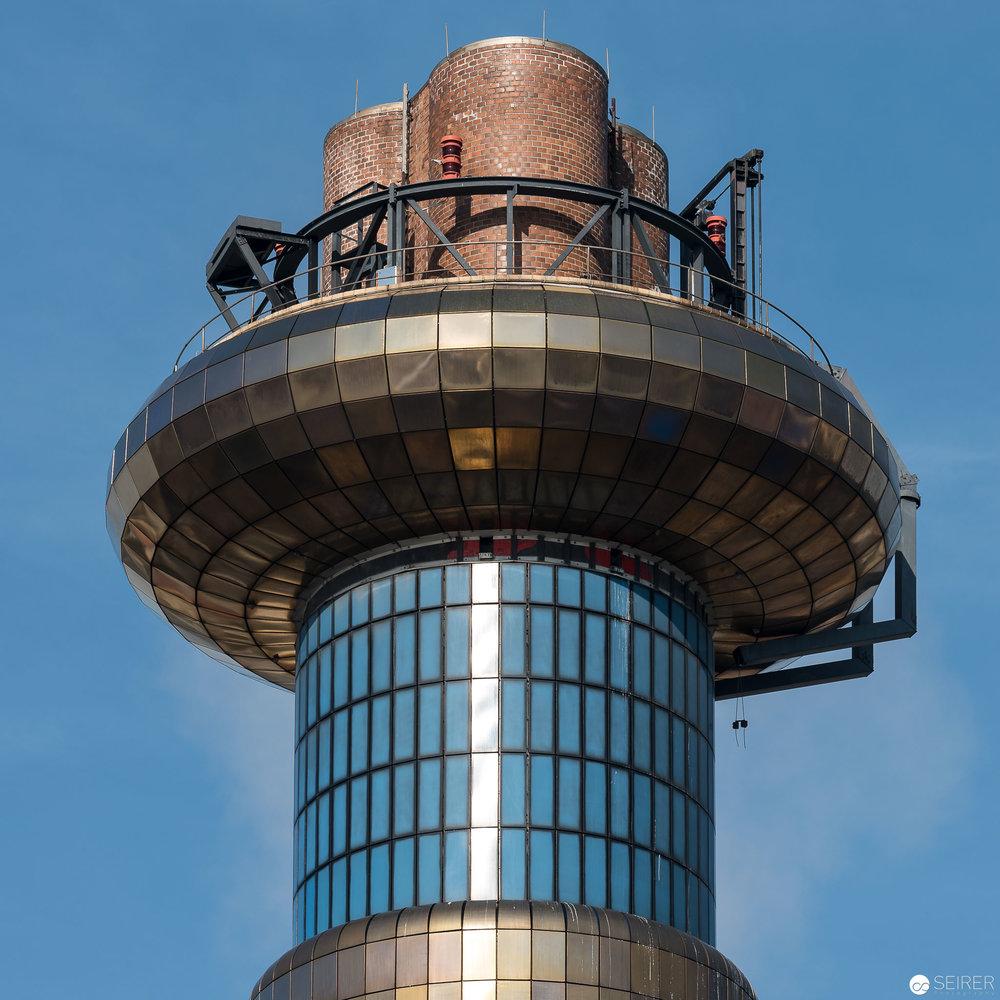Turm mit Nistplätzen für Turmfalken - Müllverbrennungsanlage Spittelau
