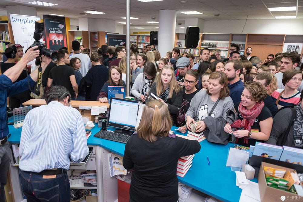 Die Buchhandlung Kuppitsch hatte alle Händen voll zu tun...