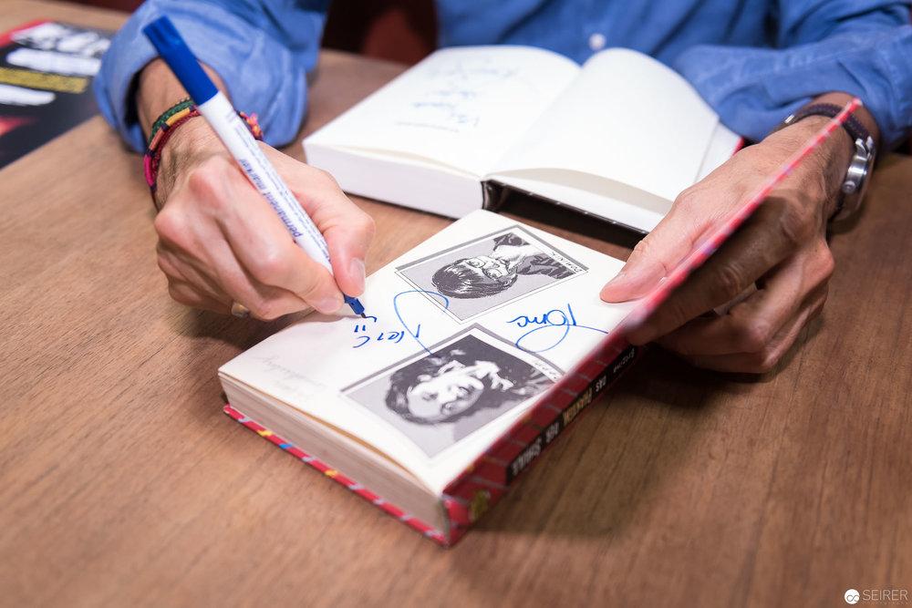 Beim Signieren von alten Bänden bekam man sogar eine Urkunde dazu
