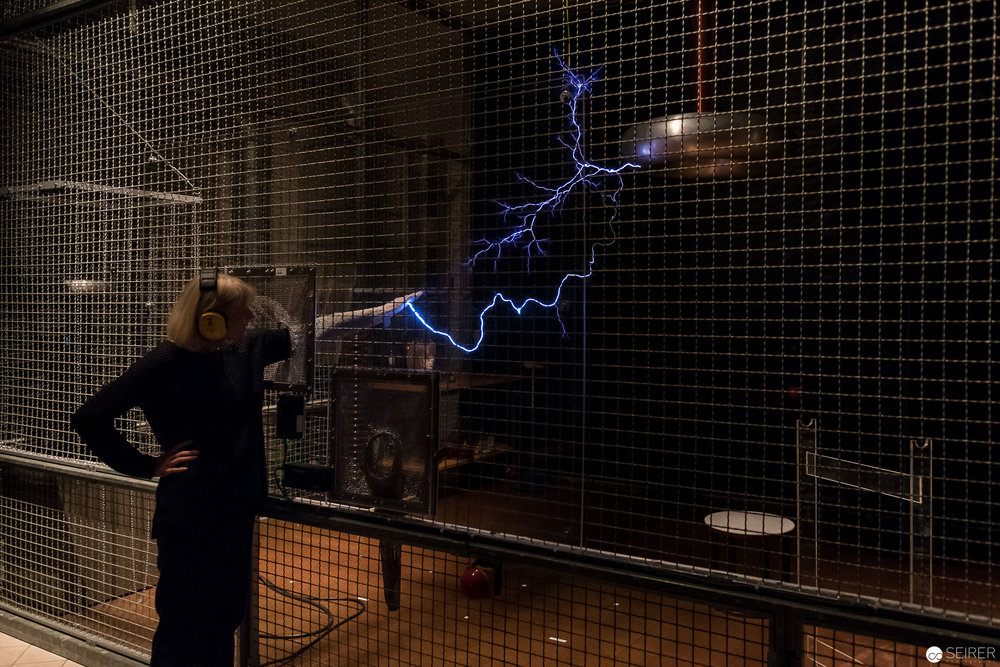 Tesla-Transformator der ON/OFF Ausstellung im Technischen Museum