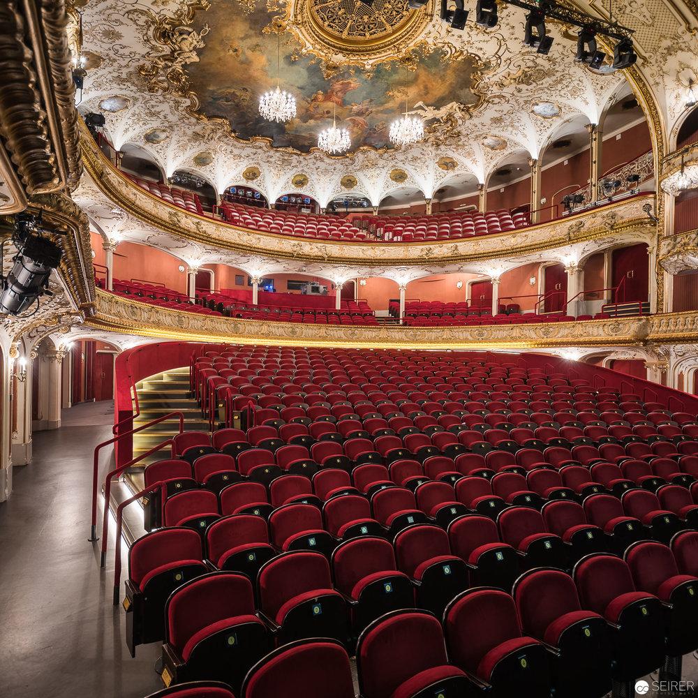 Der beeindruckende Zuschauerraum des Volkstheaters