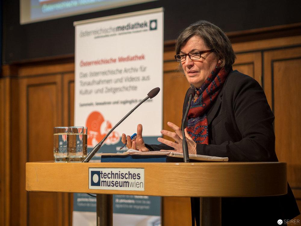 """Dr. Heidemarie Uhl, Zeithistorikerin, Österreichische Akademie der Wissenschaften: """"Jede Generation entdeckt die Vergangenheit neu. Geschichte als Ressource für die Gegenwart"""""""