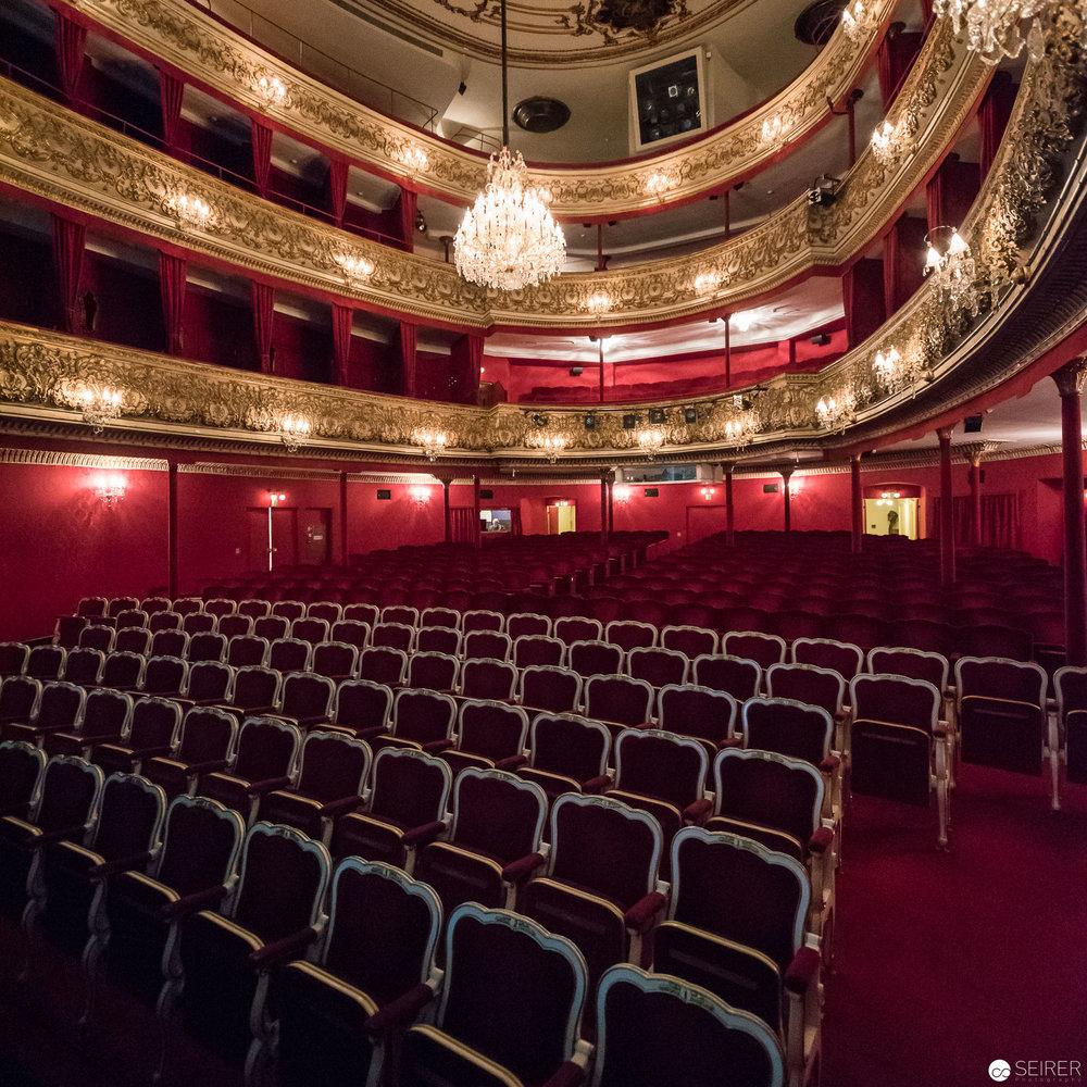 Zuschauersaal vor dem Ansturm