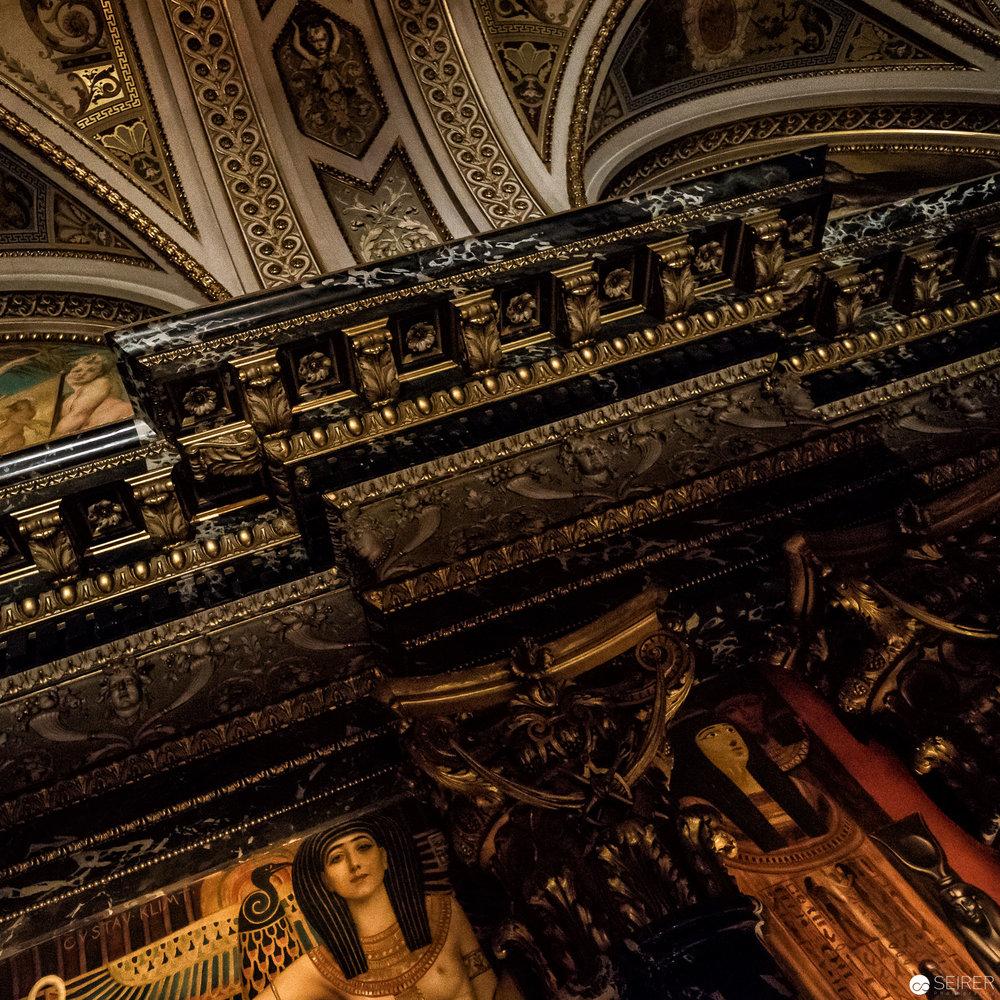 Stairway To Klimt bringt einen nahe an die Gemälde heran