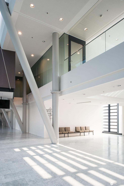 Eingangsbereich von Haus C, Universitätsklinik St. Pölten
