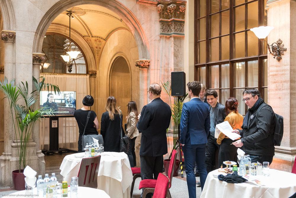 "Pressegespräch ""Das Junge Wien - Natur plus X"" im Café Central"
