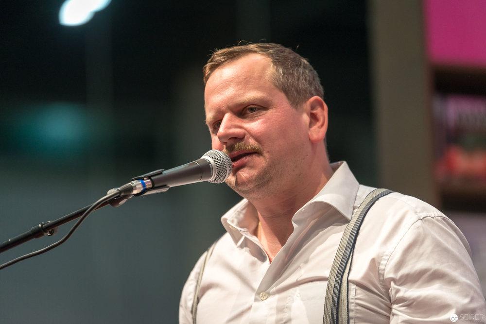 5/8erl in Ehr'n auf der Buch Wien 2017 Eröffnung
