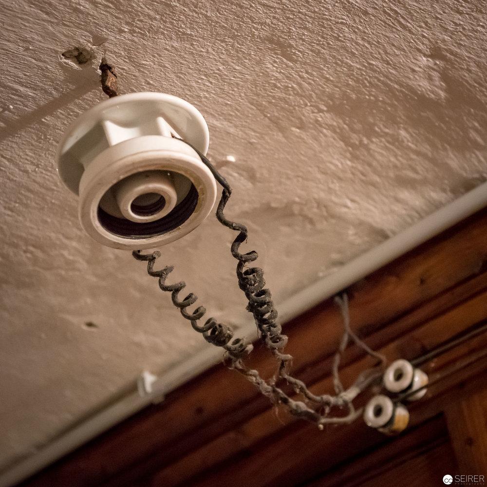 Knapp 100 Jahre alte Stromleitungen sind ebenfalls zu bewundern (diese sind aber nicht mehr In Betrieb)