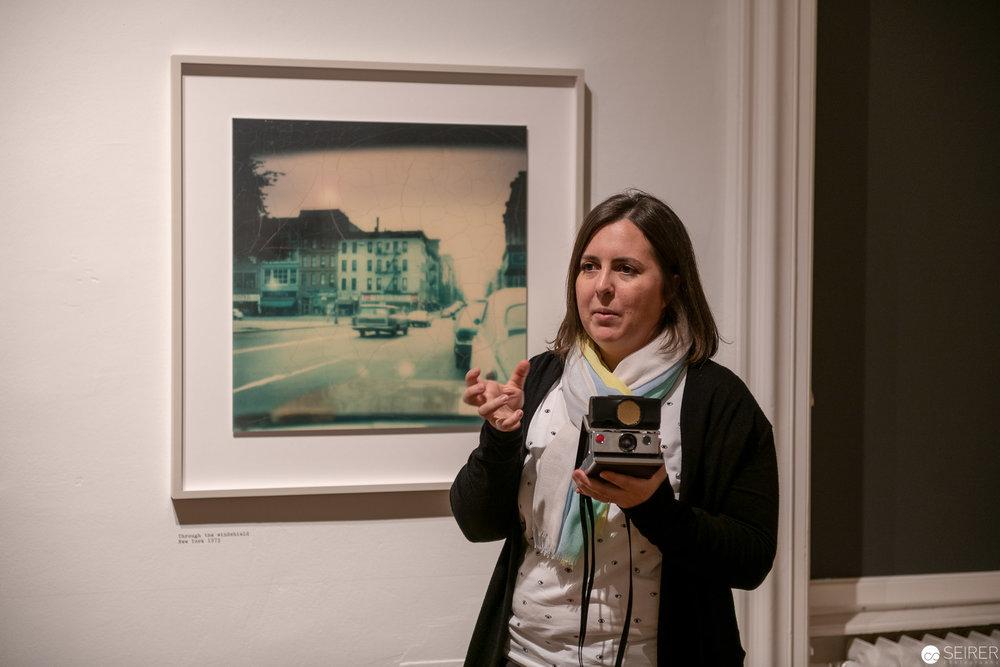 Eva Mühlbacher vom Westlicht führte gekonnt durch die Bilderwelt von Wim Wenders