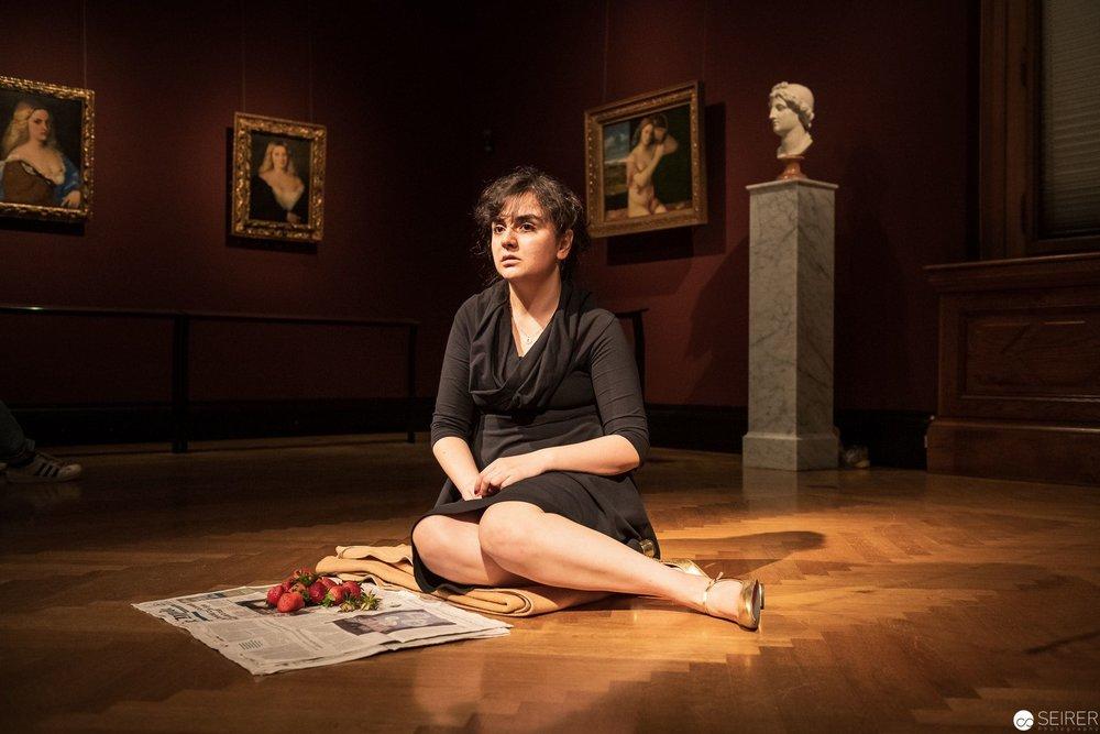 Rania's Love, über Kirschenmadonna von Tizian, es spielt Rania Ali