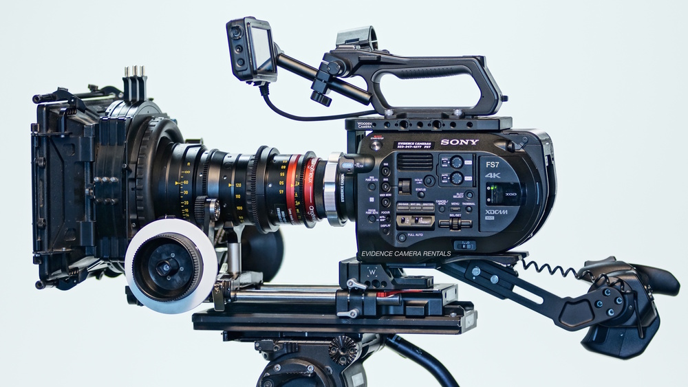 SONY FS7 4K CINEMA PACKAGE (**PL MOUNT)